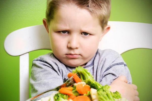 Cách giúp trẻ tăng cân không cần ép ăn