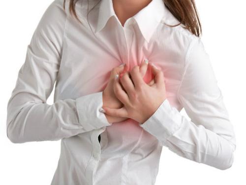 Bốc hỏa tuổi tiền mãn kinh – tác nhân gây bệnh tim mạch huyết áp