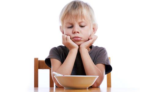 Thiếu kẽm là 1 trong những nguyên nhân khiến trẻ biếng ăn