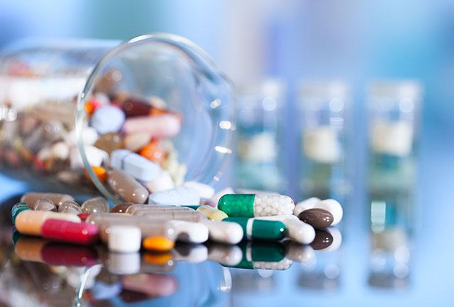 Lạm dụng kháng sinh có thể sinh ra vi khuẩn kháng kháng sinh